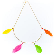 Collier de plumes, multicolore
